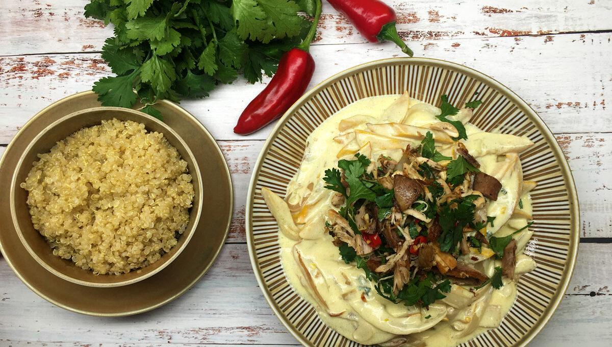 Gelbe Zucchini mit Koriander Joghurtcurry