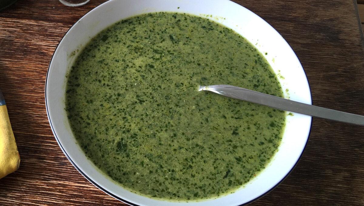 Mairübchenblätter Suppe